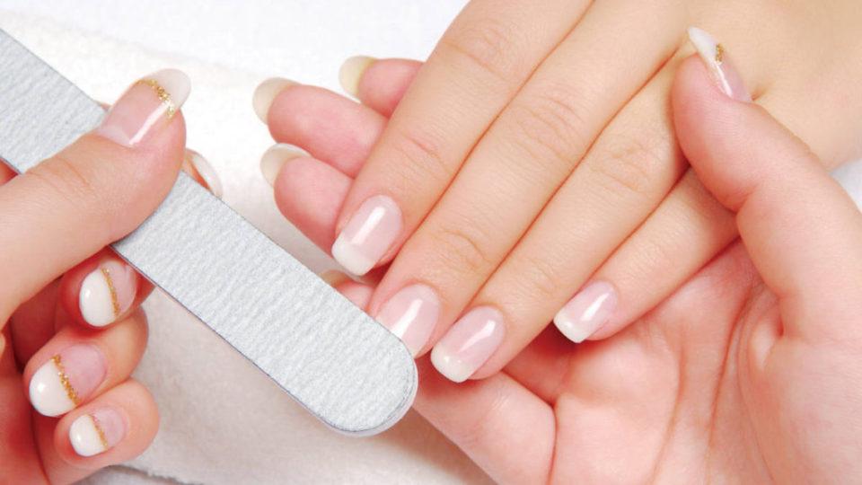 Sfaturi pentru ingrijirea unghiilor