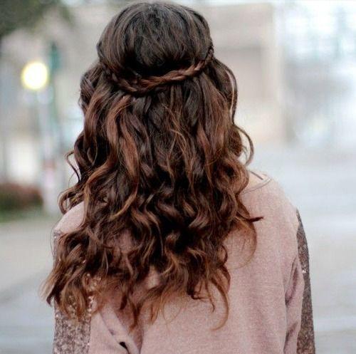 păr creț împletit