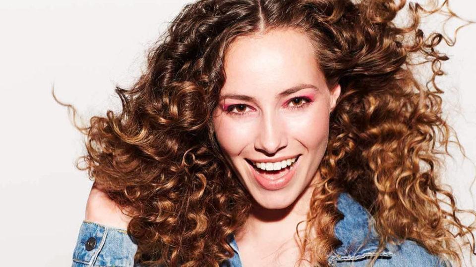Chloe Salon Tunsori și Coafuri Pentru Părul Creț