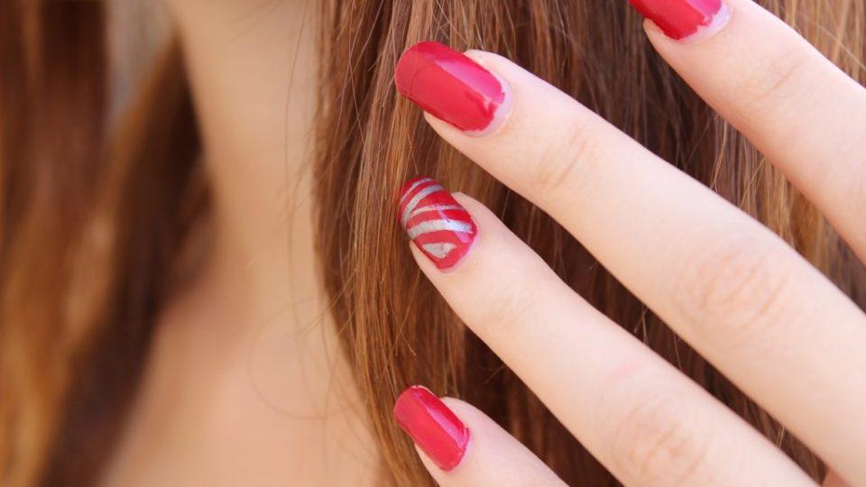 cum alegi forma la unghii